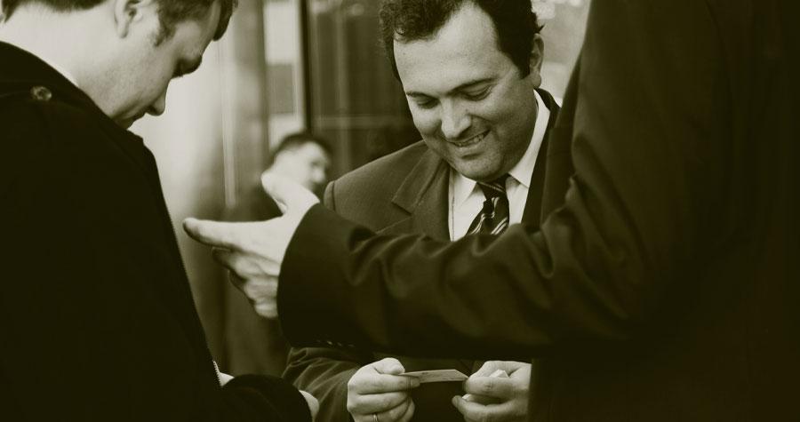 Nuestra agencia de detectives privados le ayuda a controlar la actividad laboral de los empleados Esto es fundamental para la correcta productividad de una empresa. No hacerlo, significa la apertura de una importante brecha en la obtención de beneficios.